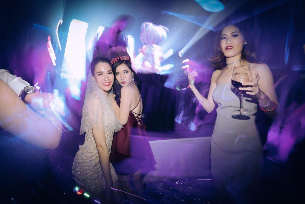 W hotel Party PrangToon_116