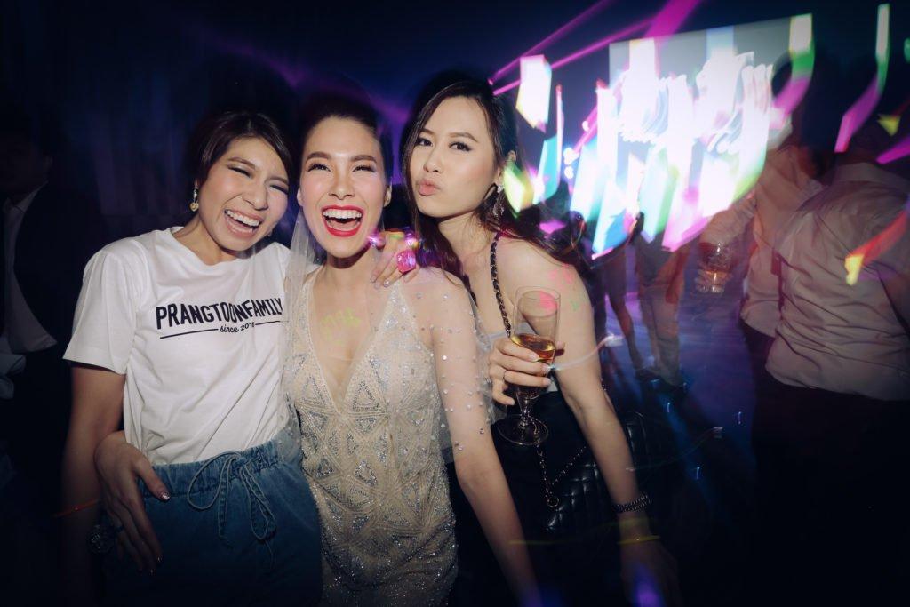 W hotel Party PrangToon_125