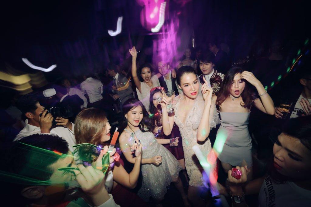 W hotel Party PrangToon_126