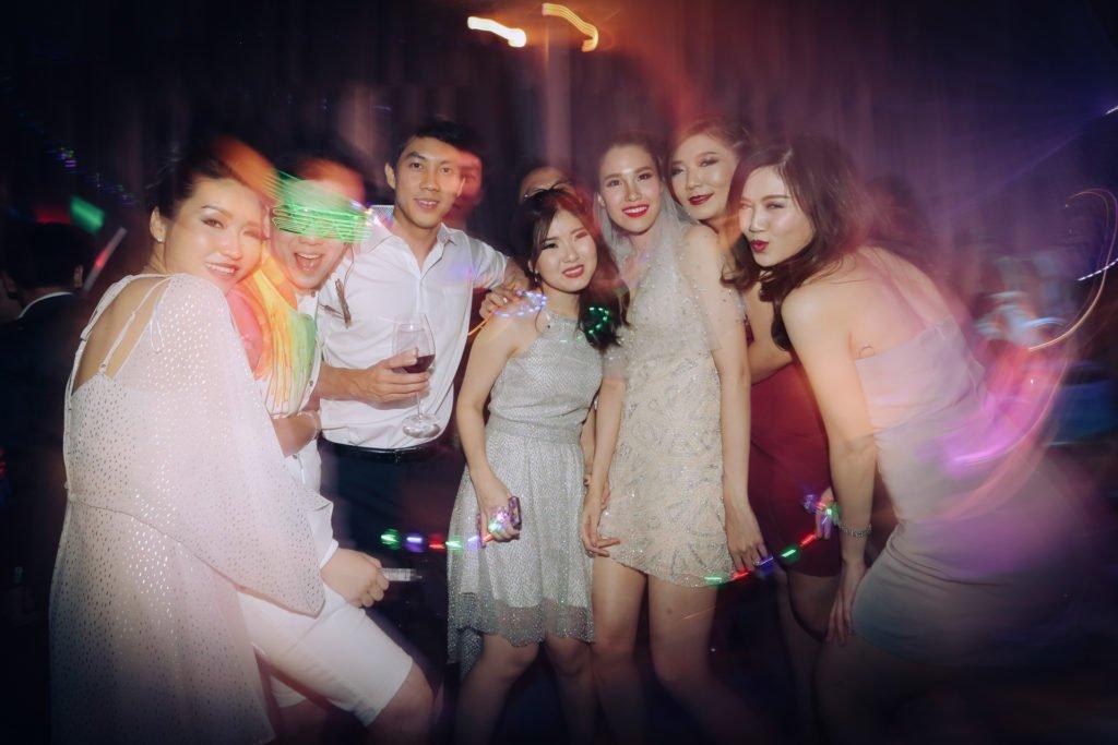 W hotel Party PrangToon_130